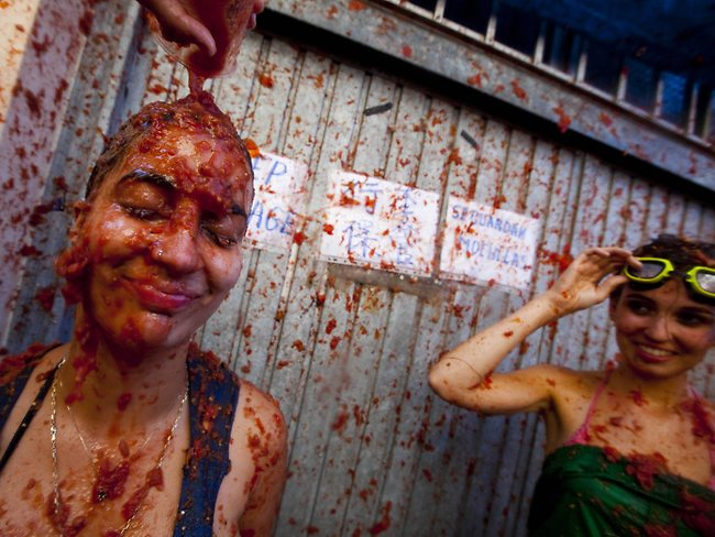 322096-spain-tomatina-food-fight